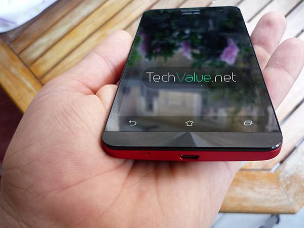 Asus Zenfone 5 Hands On front micro usb