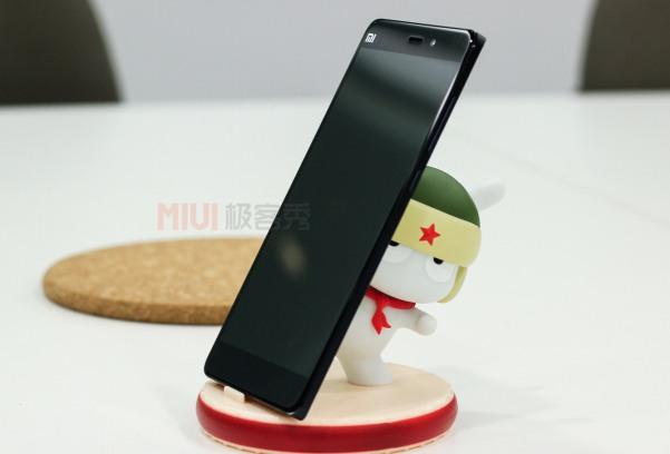 Xiaomi_Mi_Note_Pro_black_side
