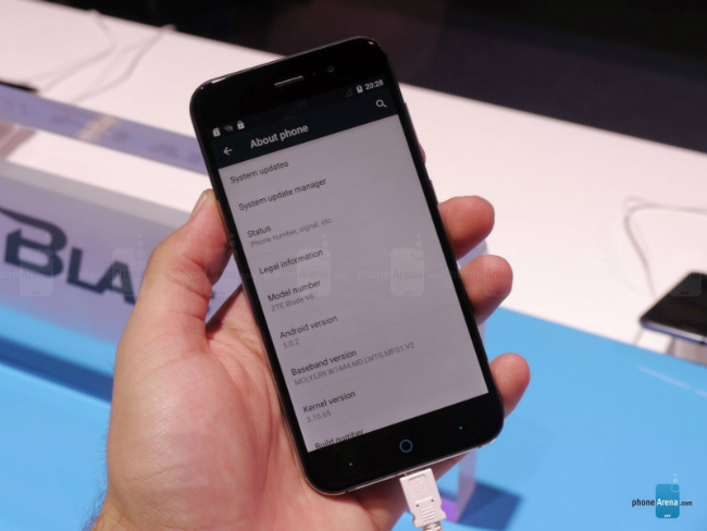 ZTE V6 smartphone