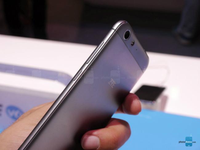 Blade V6 smartphone