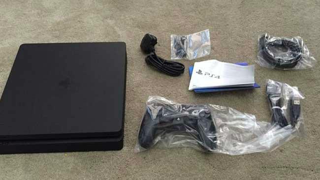 PS4 Slim κουτί
