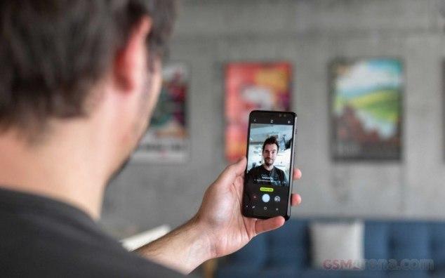 Η Samsung πλασάρει φωτογραφίες από DSLR για δείγματα του Galaxy A8 1