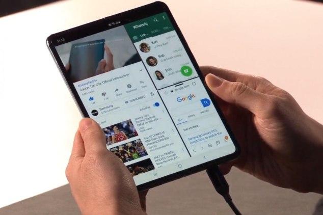 Samsung Galaxy Fold Multitasking