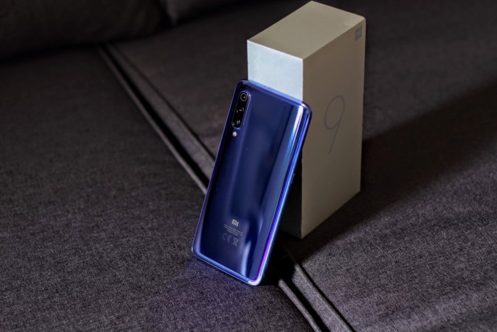 Xiaomi Mi 9 Unboxing Video