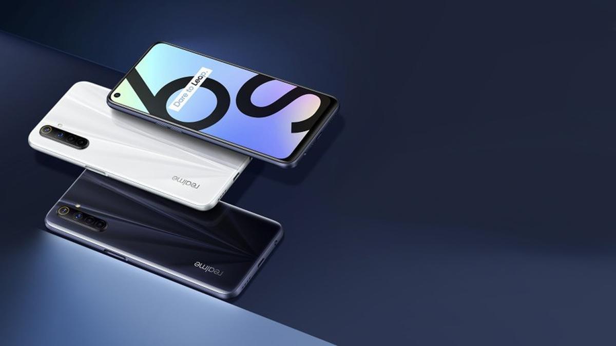 Realme 6S σε λευκό μπλε σκούρο