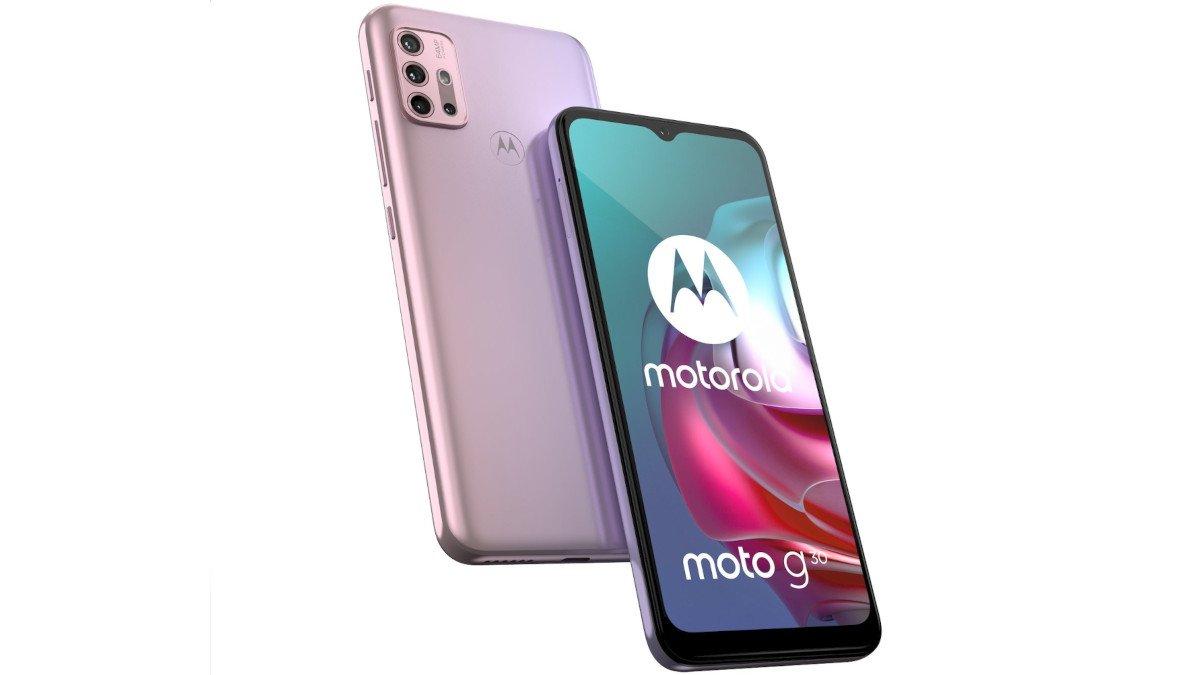 Motorola Moto G30 σε ροζ χρώμα